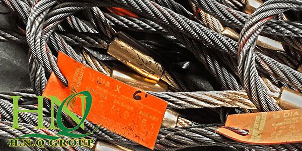 Các loại siling cáp thép chuyên biệt được dùng cho việc cẩu hàng.